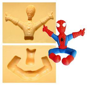 1262-home-aranha-sentado