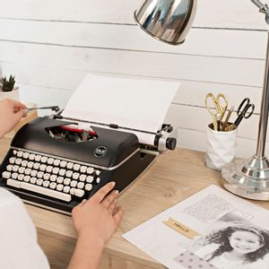 maquina-de-escrever-black_typecast-wer-memory-keepers-310296-9